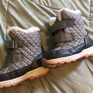 Carter's snow boots